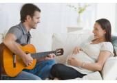 Cho bé nghe nhạc từ trong bụng mẹ
